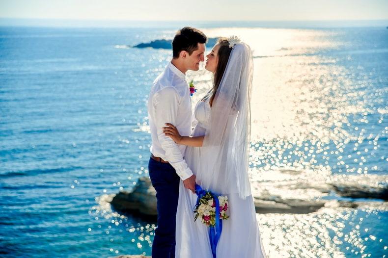 無宗教だし結婚式はいいよ、と言われた件。でも写真くらいは良いのでは?|ハナユメフォト