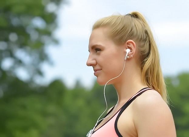 耳垢の臭いが気になる人は、耳の通気性を良くしておきましょう